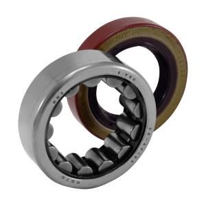 Uncategorized - Yukon Gear - Yukon Gear Axle Bearing Seal Kit AK 1561GM